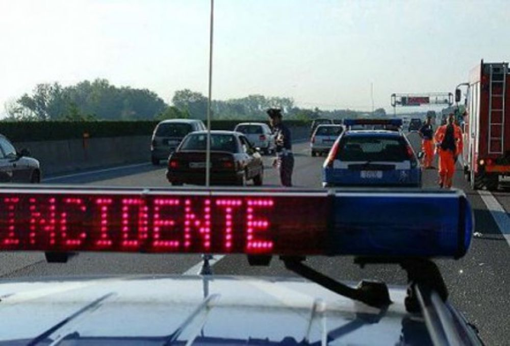 A4: DOPPIO INCIDENTE IN MATTINATA, VIABILITA' A DURA PROVA